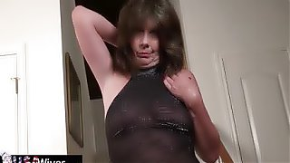 USAWives horny mature lady Jade performing solo