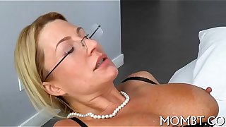 Youthful mother i'd like to fuck pic
