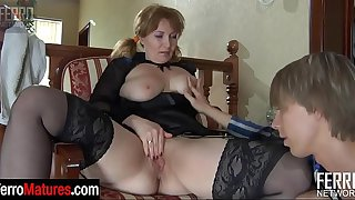 Stacked stepmom bares her ripe boobs and ass cheeks aching for some fresh meat
