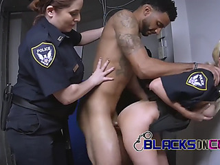 Phone thief resist his arrest making those mother i'd like to fuck cops slutty as ever